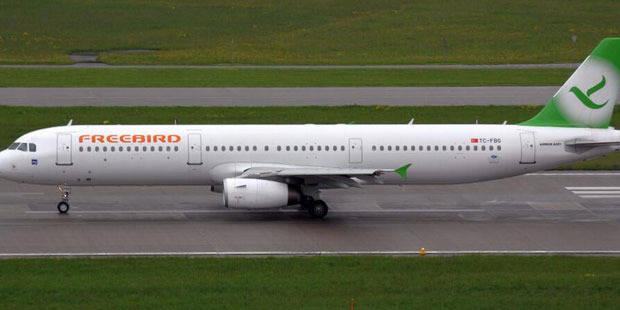 Frayeur à bord d'un vol Bruxelles-Antalya à cause d'un passager agressif - La DH