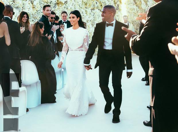 Kim Kardashian a mis les petits plats dans les grands pour son mariage. Elle a dit oui à son Kanye dans une robe en dentelle signée Givenchy.
