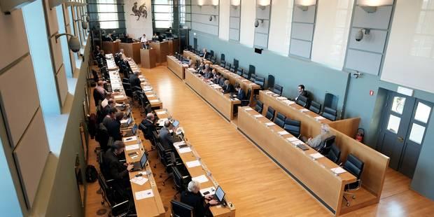 La séance d'installation du parlement wallon d'emblée suspendue - La DH