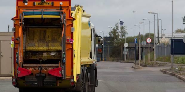 4 blessés lors d'une collision entre un camion-poubelle et un tram - La DH