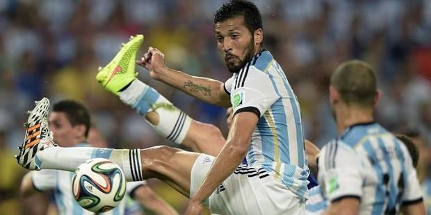 L'Argentin Garay (Benfica) rejoint Witsel au Zénit - La DH