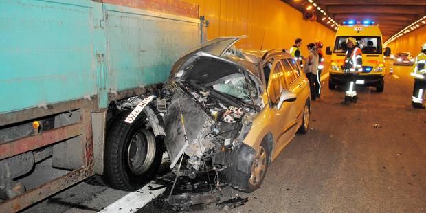 Spectaculaire accident sur l'A8 - La DH