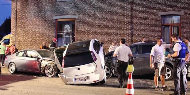 Cinq blessés lors d'une spectaculaire collision - La DH
