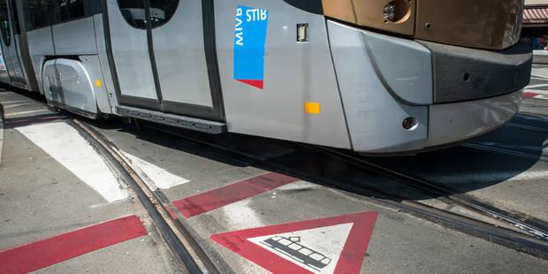La circulation des trams 93 interrompue en raison d'un effondrement de voirie - La DH