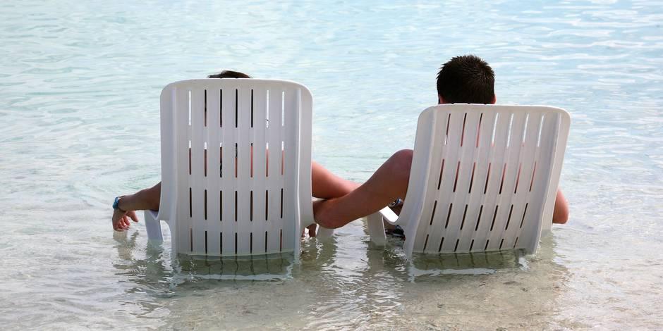 Avec qui les Belges flirtent-ils en vacances?