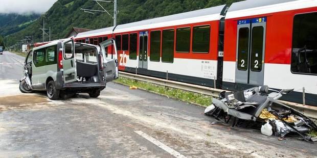 Un train heurte un minibus en Suisse: trois Israéliens tués, cinq blessés - La DH