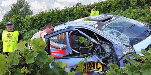 Rallye d'Allemagne: tonneaux de Thierry Neuville au shakedown