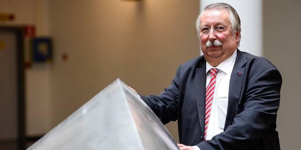 La Fédération Wallonie-Bruxelles devra bien économiser 140 millions d'euros en 2015 - La DH