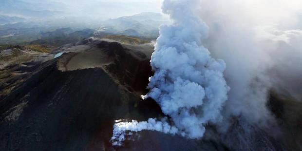 Volcan en éruption au Japon: 4 morts confirmés (PHOTOS) - La DH