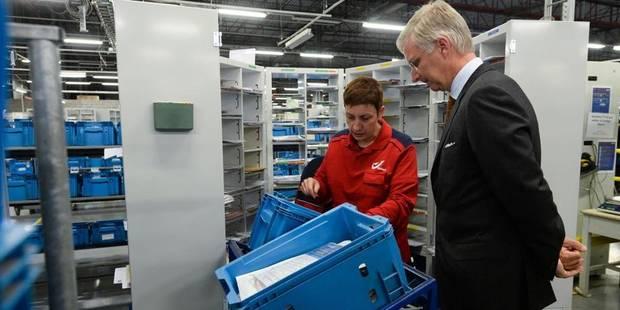 Le roi Philippe en visite semi-privée au centre de tri postal de Fleurus - La DH
