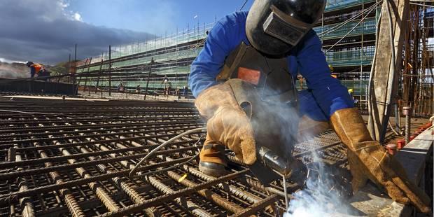 """Des syndicats conseillent à des travailleurs de se faire """"virer"""" - La DH"""