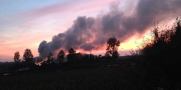 Incendie spectaculaire à Obourg - La DH
