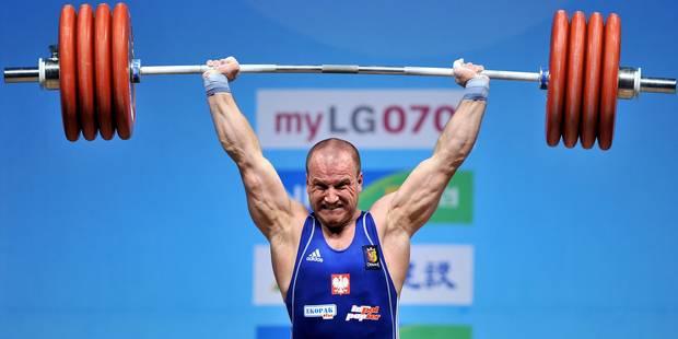 Le triple champion du monde d'haltérophilie suspendu pour dopage - La DH