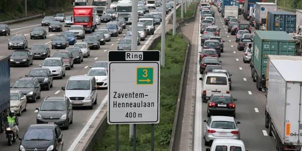 """La voiture """"fortement déconseillée"""" à Bruxelles ce 6 novembre - La DH"""