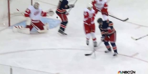 Hockey: il marque avec les fesses! - La DH