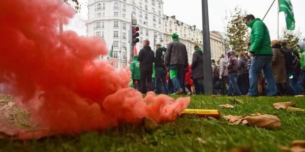 Manifestation nationale: notre caméra au coeur de la contestation (VIDEO) - La DH