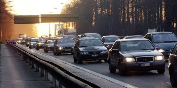 """Trafic: Un """"enfer sur les routes"""" menant à Bruxelles"""