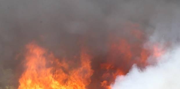 Péruwelz: trois blessés après une double défenestration lors d'un incendie - La DH