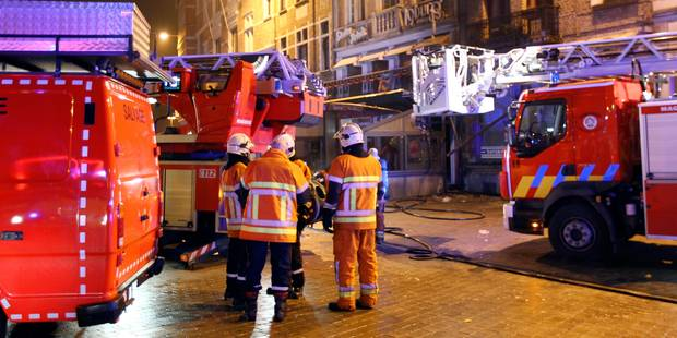 Un incendie ravage trois étages d'un immeuble à Saint-Josse-ten-Noode - La DH