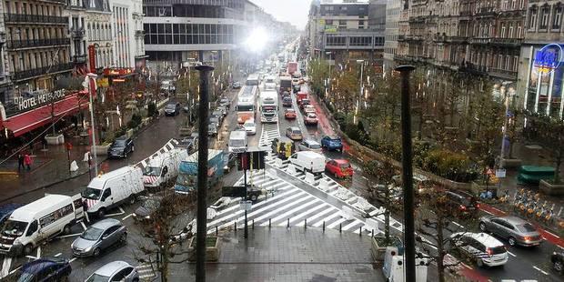 """Bruxelles: """"C'est la crise de nerfs sur les boulevards !"""" - La DH"""