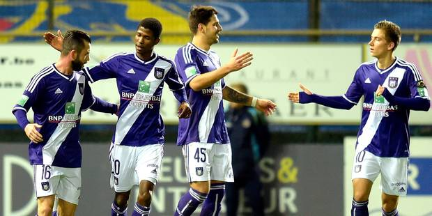 Anderlecht prend trois points mais perd trois hommes (0-2) - La DH