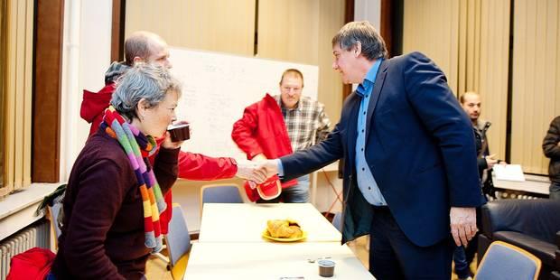 Jan Jambon en visite au centre 100 - La DH