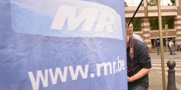 Conseil communal de Namur : une conseill�re exclue du groupe MR