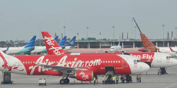 Panique à bord de deux avions AirAsia - La DH
