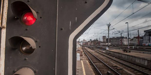 Lierre: 300 passagers évacués après une collision entre un train et une voiture - La DH