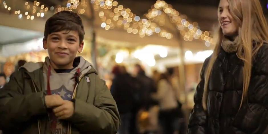 Frapper une fille : la vidéo qui montre la réaction catégorique de petits garçons