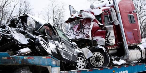 Michigan: plus de 190 véhicules impliqués dans une incroyable collision en chaîne - La DH