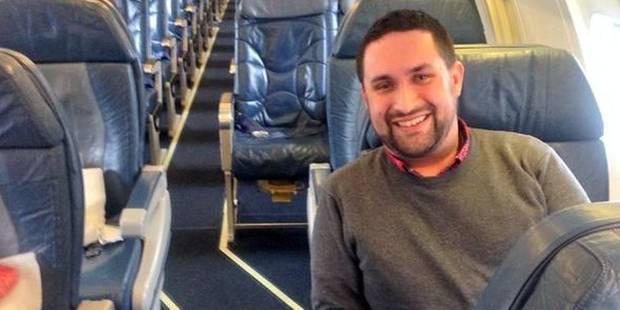 Un avion vole avec seulement deux passagers à bord - La DH