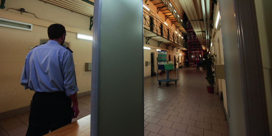 Mons 2015: menu 3 services et lecture de poèmes au programme des détenus de la prison ! - La DH