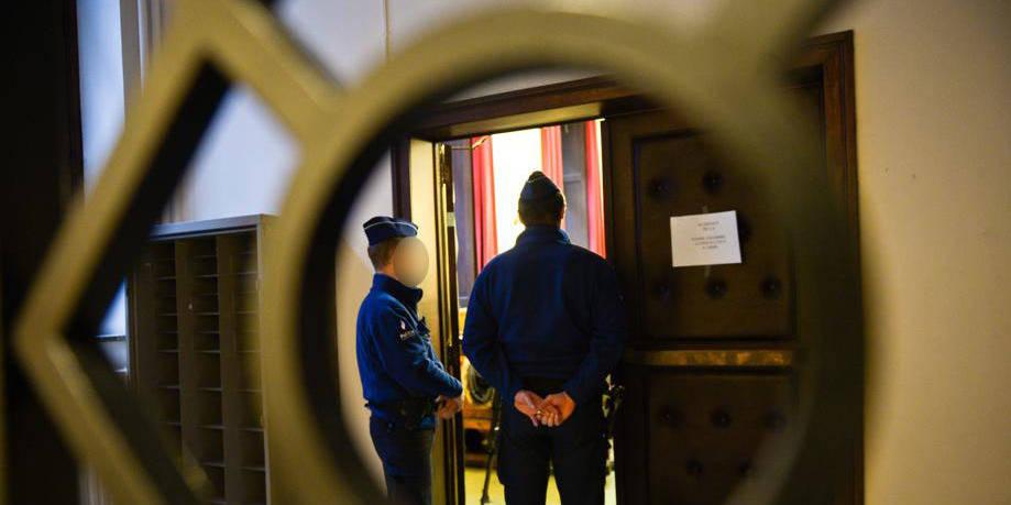 Condamné à 15 ans de prison pour fusillade, il se plaint de sa cellule - La DH