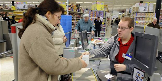 De nombreux Belges font leurs achats dans les pays voisins mais ça coûte cher à nos commerçants - La DH