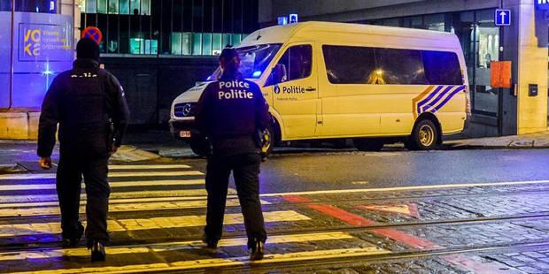 Lutte contre le terrorisme: Jambon ne veut pas de militaires en uniforme de police - La DH