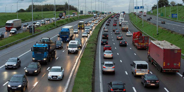 Le ring de Bruxelles perturbé par un accident à hauteur de Woluwe-Saint-Etienne - La DH