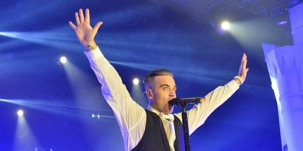 Robbie Williams nu sur le web... pour se moquer de Kim Kardashian (PHOTO) - La DH