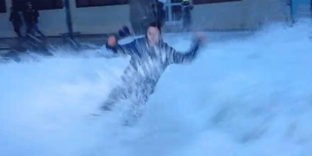 Une journaliste de BFM TV balayée par une vague en plein direct - La DH