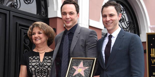"""Hollywood donne son étoile à Jim Parsons, star de """"The Big Bang Theory"""" - La DH"""