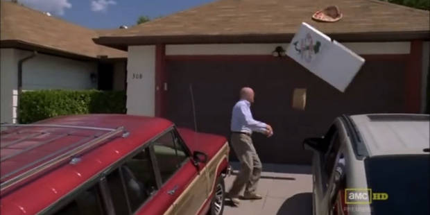 Arrêtez de lancer des pizzas sur la maison de Walter White ! - La DH