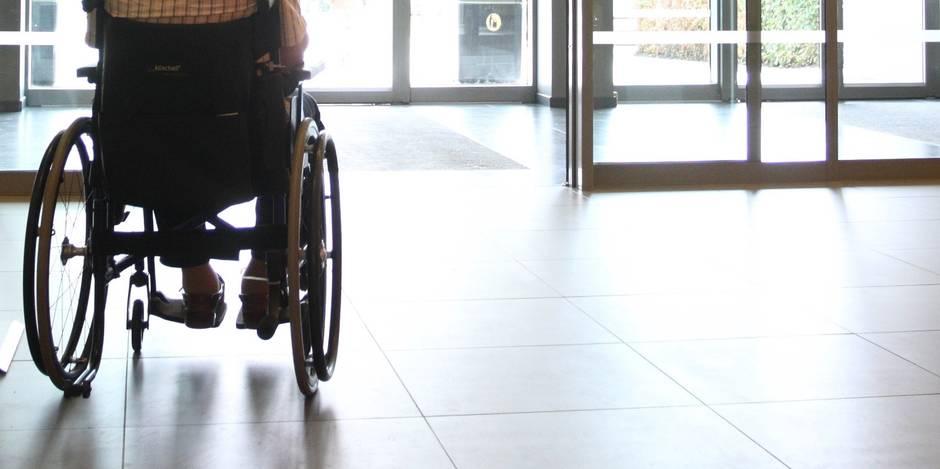 un sexag naire en chaise roulante meurt par le feu cause d 39 une cigarette la dh. Black Bedroom Furniture Sets. Home Design Ideas