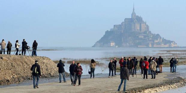 """Marée humaine pour la """"marée du siècle"""" sur les côtes françaises (VIDEO) - La DH"""