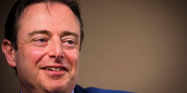 Racisme: De Wever refuse de présenter des excuses, des associations portent plainte - La DH