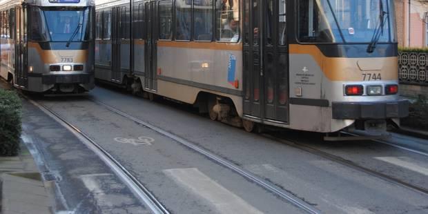 Un blessé léger dans une collision entre une voiture et un tram à Watermael-Boitsfort - La DH