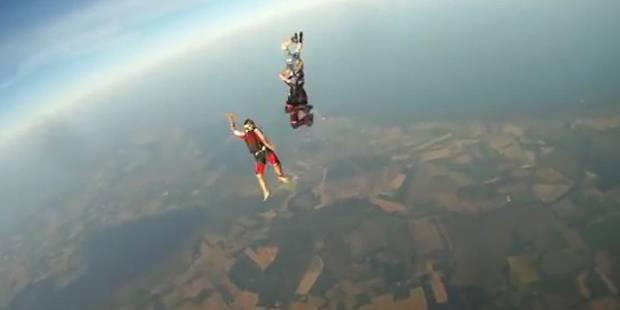 En plein saut en parachute, sa caméra se détache (VIDEO) - La DH