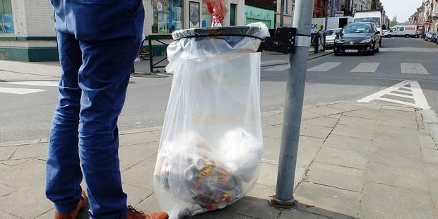 Bruxelles: les poubelles Vigipirate se multiplient - La DH