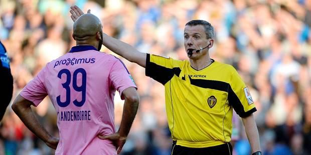 """Club de Bruges-Anderlecht, Johan Verbist reconnait son erreur: """"Comment n'ai-je pas pu voir ce penalty ?"""" - La DH"""
