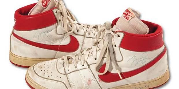 Des baskets de Jordan vendues pour 71.533 dollars... - La DH