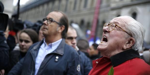 France: des Femen seins nus perturbent un discours de Marine Le Pen (PHOTOS ET VIDEOS) - La DH